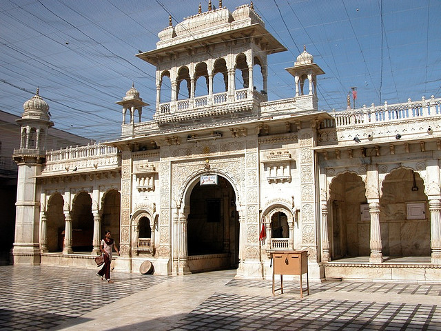 Deshnoke Karni Mata Temple, Bikaner